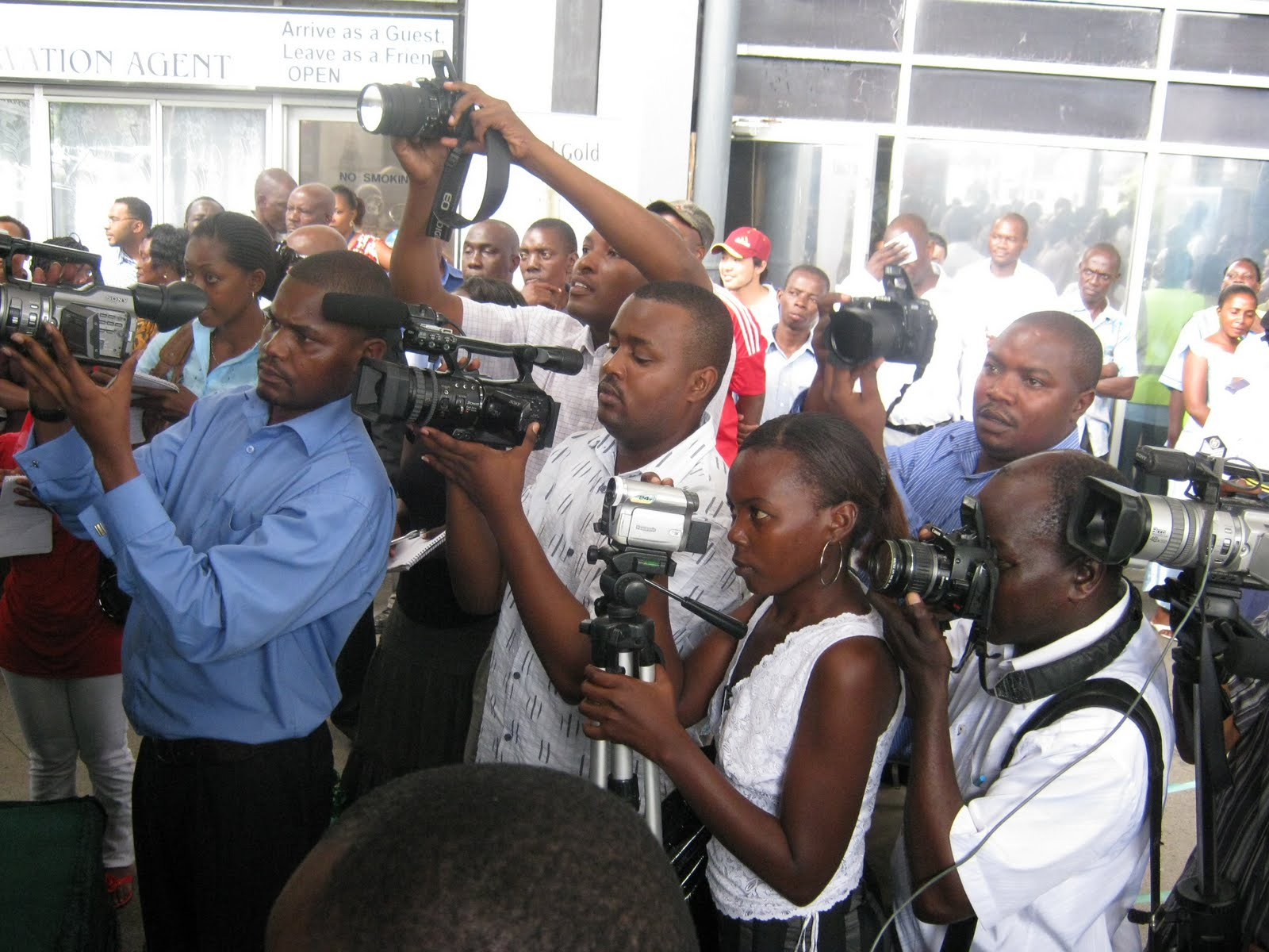 Media urged to improve in fight against corruption