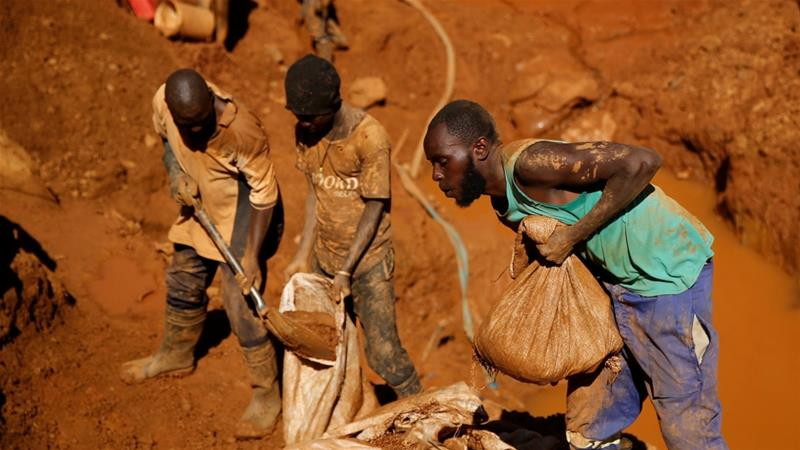 Zimbabwe disused gold mine flooded, many feared dead