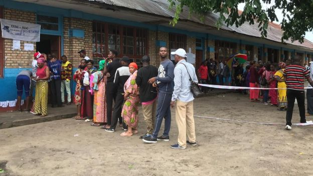 DR Congo election: Polling under way in tense vote