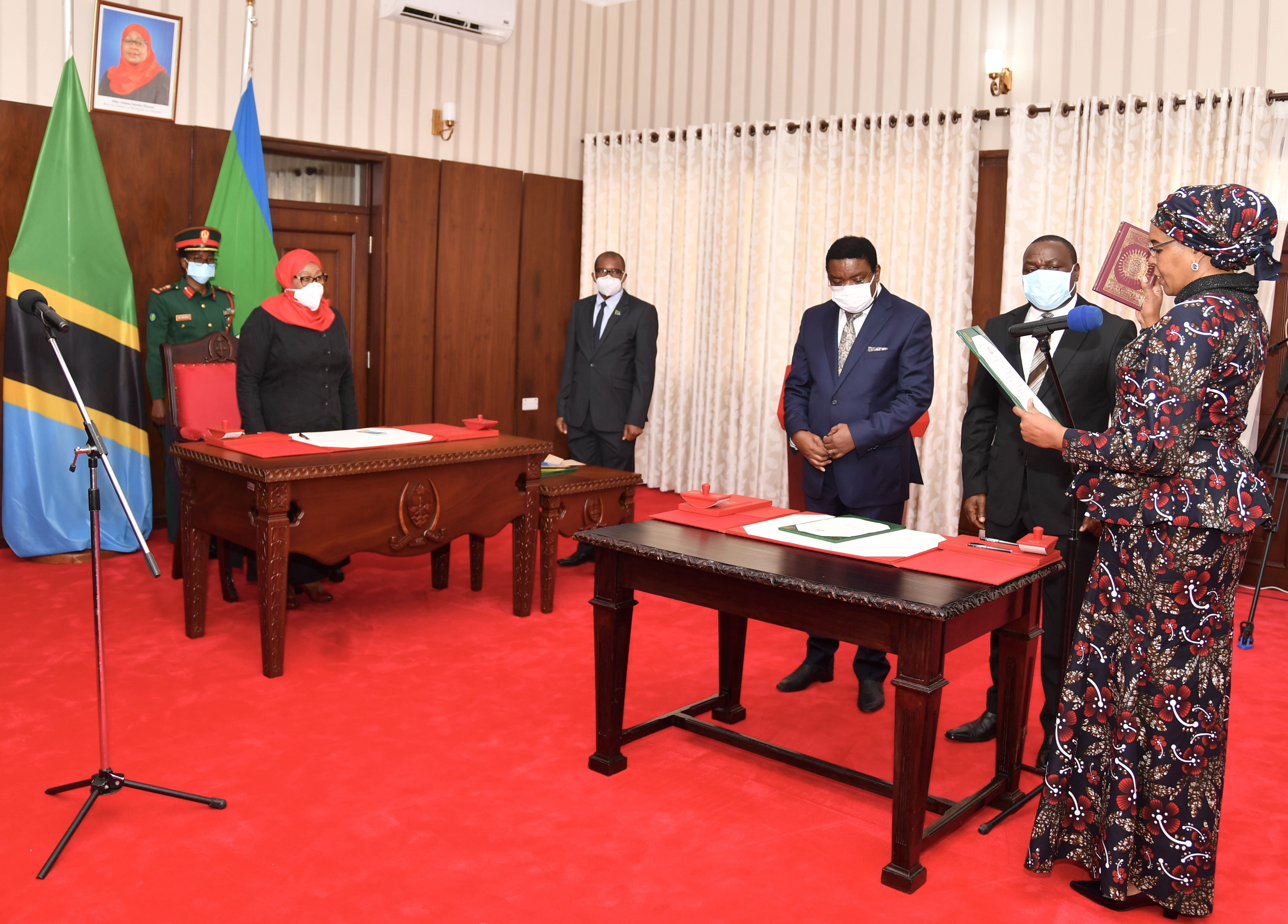 President Samia administers oaths of newly appointed RC, RAS