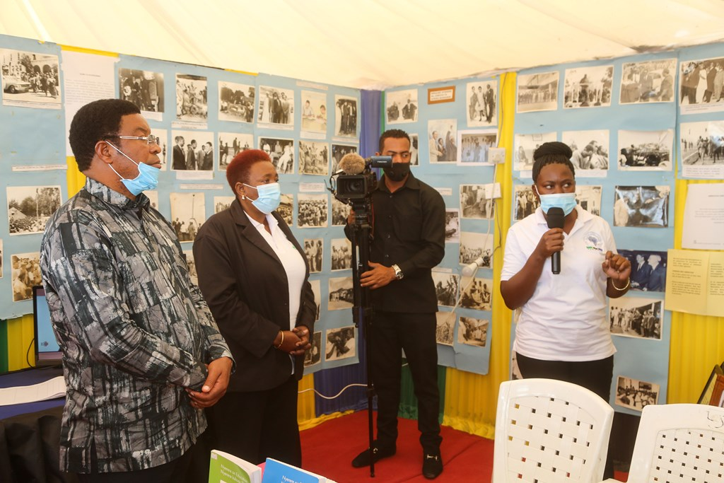 PM tells youth to abstain from misusing ICT